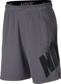 M SHORT DRY SU18 GFX 1 GUNSMOKE/HTR/BLACK